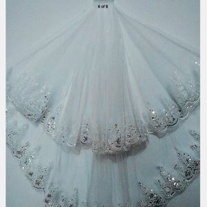 New 2T beautiful embellished lace veil